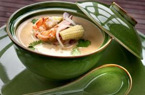 Суп с креветками и курицей