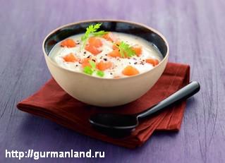 Суп из цветной капусты с копченым лососем