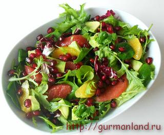 Салат с зернами граната