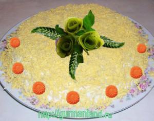 kurinyj-salat-s-kivi
