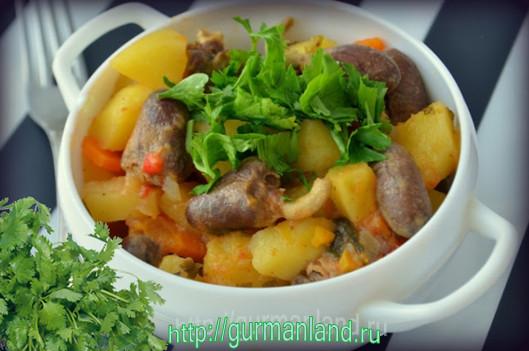 tushenyj-kartofel-s-kurinymi-serdechkami