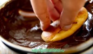 vanilnye-eklery-s-zavarnym-kremom-11