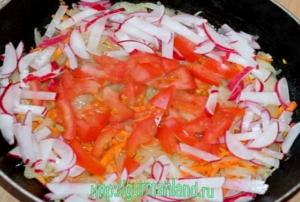 luk-farshirovannyj-ovoshhami-i-vetchinoj-3
