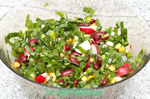 salat-s-cheremshoj-i-fasolyu