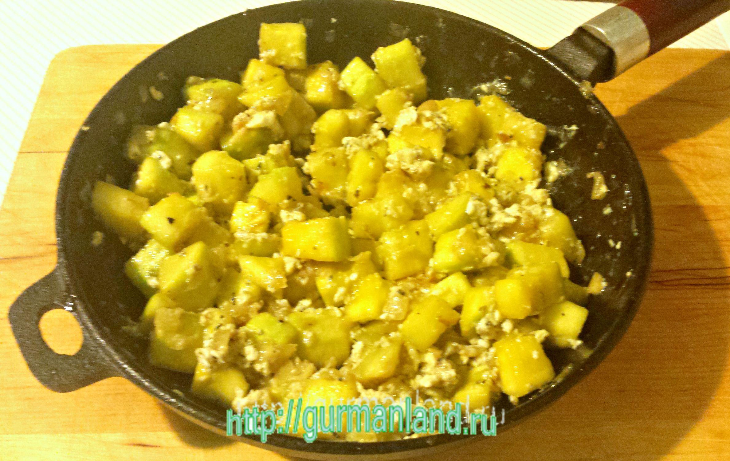 Жареные кабачки с яйцами рецепт