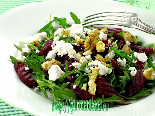 salat-iz-svekly-s-rukkoloj