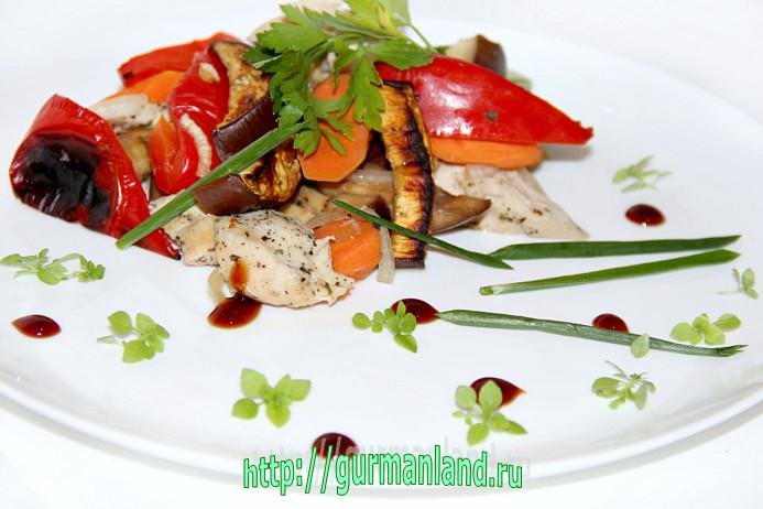 Печеные овощи с курицей
